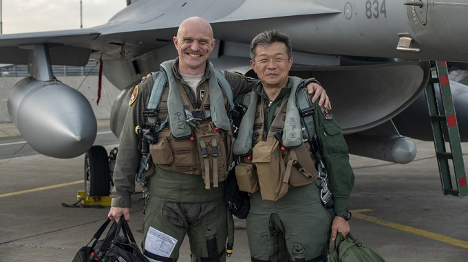 35th Fighter Wing, 3rd Air Wing commanders integrate in bilateral familiarization flights